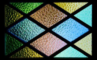 Art i Nanociència: Vitralls amb nanopartícules, bombolles de sabó i colors iridiscents de les papallones